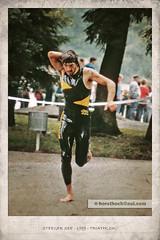 Triathlon 1989 #3 (Howdys) Tags: see oberschwaben aulendorf steeger badenwrttemberg deutschland europa nikon f301 photoshop freibad triathlon lufer neopren anzug barfus 1989 80s sport bearbeitung vintage rahmen laufen rennen nas