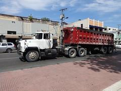 Mack (RD Paul) Tags: truck dominicanrepublic camion trucks mack santodomingo camiones repúblicadominicana