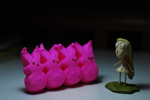 stare girl meets the peeps