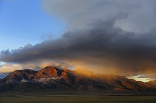 There was a rain of gold over the Gangtise Mountain Range, Tibet