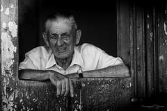 Poeple look (Emmanuel DEPARIS) Tags: white black noir cuba cuban et blanc emmanuel poeple regard deparis