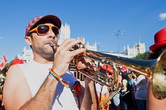 Poniendo ritmo (ccmartin) Tags: madrid gay espaa calle desfile loveparade orgullogay lesbianas transexuales proudday