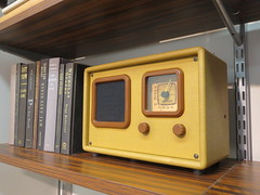 Vintage Concept Radio (shaire productions) Tags: old radio photo image display picture books pic retro shelf photograph electronics contraption electronic imagery