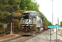 NS 8378 south in Leesburg, Indiana on June 9, 2016. (soo6000) Tags: ns indiana leesburg ge cpl norfolksouthern 8378 c408w ns8378 prrsignal marionbranch classicrrsignal prrcpl