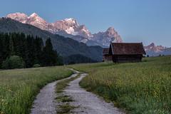 Wettersteingebirge (MC-80) Tags: moonlight bluehour zugspitze blauestunde kreuzeck wetterstein alpspitze gerold mondlicht waxenstein wettersteingebirge geroldsee