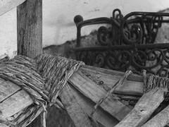 Ramsau Steiermark Frienerhof PICT0010 (reinhard_srb) Tags: stall holz stuhl bauernhof speicher steiermark sessel eisen zerbrochen tenne scheune ramsau germpel schmied verzierung schmiedeeisen heuboden