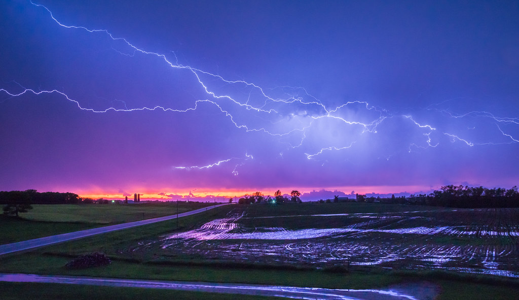 The World\'s Best Photos of colour and lightning - Flickr Hive Mind