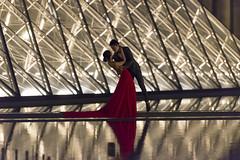 DSC_2538 (Mathieu Rougnon) Tags: wedding sunset paris night french nikon europe shooting capitale mariage pyramide lelouvre parisian d800 parisien rflexion pyramidedulouvre nikkor2470mmf28