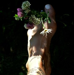 Summermood (mimmith) Tags: sunlight flower sunshine foot footprints sunbeam hotsummerday summermood
