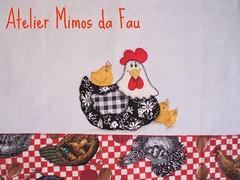 Pano de Prato Galinha com Pintinhos (Atelier Mimos da Fau) Tags: galinha patchwork pintura bordado pintinhos aplicação patchcolagem caseado panodeprato patchapliquée