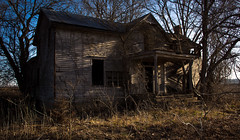 (Rodney Harvey) Tags: farmhouse rural decay haunted boo missouri abandonedhouse floodplain morningspooky