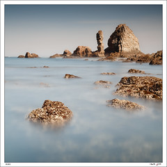 El otro lado del Silencio (Roberto Graa) Tags: longexposure sea seascape marina mar asturias playa paisaje cudillero largaexposicion playadelsilencio gavieru