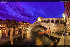 Ponte di Rialto (5 Minutes Away) Tags: travel venice vacation italy art beautiful night fun high amazing interesting italia artistic 5 unique quality awesome great away divine explore international exotic stunning unusual charming foreign venezia rialto minutes interessant spektakulr 5minutesaway