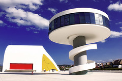 ASTURIAS (Avilés / Centro Cultural Internacional Oscar Niemeyer) (Saúl Tuñon Loureda) Tags: españa niemeyer architecture del oscar spain arquitectura centro culture villa aviles cultura cultural avilés principado adelantado asrturias