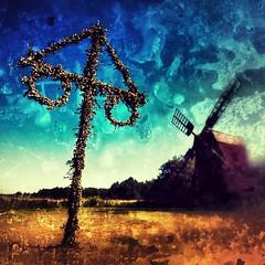 Glad Midsommar (Hkan Dahlstrm) Tags: summer holiday art windmill experimental midsummer sweden traditional creative commons cc sverige tradition krans midsommar 2012 sommar hgtid oland farjestaden midsommarstang