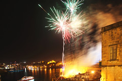 Malta_29_Apr_2012_361 (James Hyndman) Tags: festival fireworks malta maltesefalcon mooseheads valletta kinnie