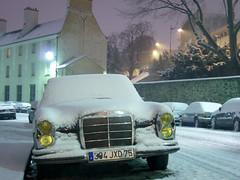 snow in paris (notarim) Tags: street winter snow paris france horizontal dawn outdoor nopeople creativecommons 75 43 snowinparis croulebarbe oldmercedes colorimage byncnd yellowheadlights 120630 rueberbierdumets notarim