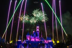 Disneyland Fireworks Show - 4723 (DaisyYeung) Tags: show california ca usa castle night photography nikon colorful long exposure time fireworks disneyland disney daisy anaheim nikkor yeung 1024mm d7000 daisyyeung daisyeung
