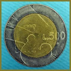 DSC_5055 (Michi (Friuli)) Tags: macro photo nikon foto lira corso antica micro 500 michi lire collezione vecchio denaro fuori spesa vecchia meike soldi numismatica flashgun metallo moneta raccolta comprare berini d700 conio centesimo af60 fc100