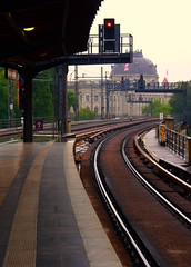 (LiKE.A.BOTTLE.iNTHESEA) Tags: summer berlin station germany estate july pioggia stazione freddo germania luglio berlino ubanof