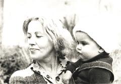 simple love - simplemente amor (talourcera) Tags: motherhood maternidad