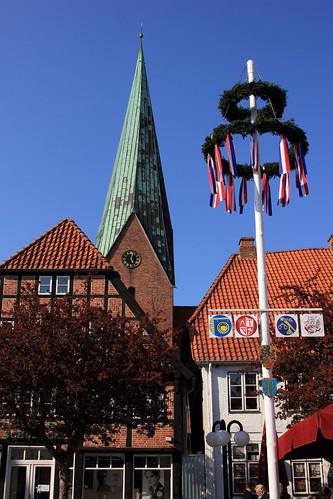 "Eutiner Markt (01) St. Michaelis-Kirche • <a style=""font-size:0.8em;"" href=""http://www.flickr.com/photos/69570948@N04/26931057862/"" target=""_blank"">Auf Flickr ansehen</a>"