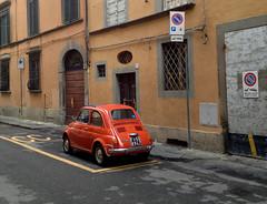 Fiat 500 (Martijn Pouw) Tags: auto street old italien italy orange car fiat little tuscany 500 oranje cinquecento toscany automobiel
