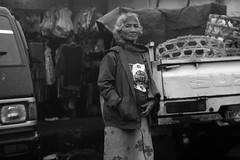 L1051641bw (ferry160102) Tags: street people bali lady market traditional humaninterest kintamani rokkor40 leicam82
