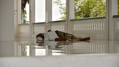 DSC_6310 (Omar Rodriguez Suarez) Tags: cambodia nap sleep mosque siesta mezquita dormir camboya