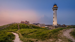 sunset (cb.photography) Tags: eve travel sunset summer vacation sky sun lighthouse holiday holland beach netherlands strand evening abend nikon sonnenuntergang dusk sommer urlaub telescope dmmerung sonnig sonne leuchtturm niederlande egmond fernrohr egmondaanzee egmondamsee