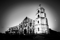 Daraga Church in black and white. (hijo_de_ponggol) Tags: white black church daraga