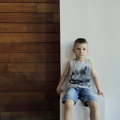 2016.06.13 (maximorgana) Tags: wood boy man wall sitting dinosaur board young jeans shorts juanjo