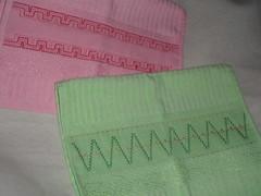 Bordando... (lele da cuca) Tags: linhas bordado toalhas vagonite