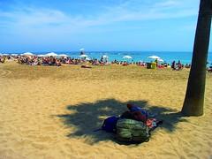 (jorgeaq) Tags: barcelona sun sol beach island bcn sombra playa shade barceloneta heat isla calor playadelabarceloneta