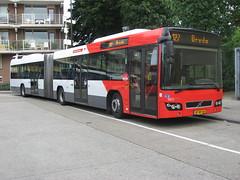 Veolia bus 5823 Tilburg NS (Arthur-A) Tags: bus netherlands buses volvo nederland autobus tilburg brabant noordbrabant bussen veolia