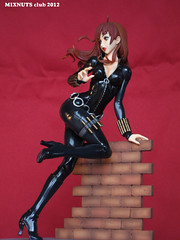 BLACK WIDOW Covert Ops Ver. 022 (mixnuts club) Tags: statue fetish comics gun bondage figure spy heroine blackwidow spygirl secretagent rubbersuits