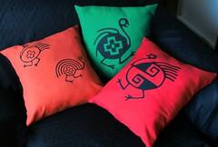 Almohadón diseños precolombinos (Lady Krizia) Tags: pillow diseño vinilo precolombino wilwarin estampado almohadon termoestampado