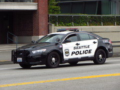 NEW! Seattle Police 31805 (zargoman) Tags: seattle new ford lights washington police led wa cruiser lawenforcement seattlepolice seattlepolicedepartment nleaf