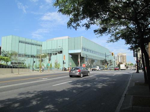 Thumbnail from Grande Bibliothèque du Québec