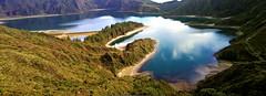 cameraphone blue lake verde green portugal azul lagoon... (Photo: PMTN on Flickr)