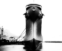 Battleship in Norfolk, Virginia (` Toshio ') Tags: blackandwhite bw usa water museum wisconsin virginia harbor ship wwii norfolk navy perspective bow anchor portsmouth battleship naval usswisconsin toshio nauticus x100 fujix100