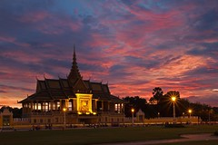 Sunset at the royal palace. (David Freuthal) Tags: sunset sky clouds asia cambodia southeastasia day cloudy phnompenh royalpalace