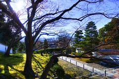 Kyoto (seven.bowix) Tags: nature japan soleil kyoto pentax ciel arbres printemps japon hdr highdynamicrange ville pelouse verdure villes chionin escaliers aficionados btiments kyotocity pentaxlens kyotoshi pentaxlife traitementhdr pentax1224mmf4 pentaxk5 villedekyoto templechionin batimentsjaponais