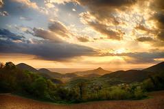 Tramonto dal Roverello (tampurio) Tags: sunset sky italy panorama sun sunlight green nature clouds rural sunrise landscape italia tramonto nuvole sony hill natura hills cielo tramonti sole paesaggi paesaggio colline padova collieuganei slta58