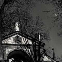 Orta Sacromonte (marco boff) Tags: travel blackandwhite moon art church statue religion chapel chiesa bianconero bnw cappella sacromonte moonshine viacrucis ortasangiulio