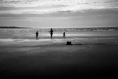 happiness (s@brina) Tags: ocean monochrome silhouettes happiness
