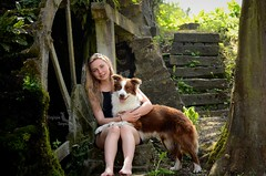Ipsoss & Moi, une histoire base sur la complicit au quotidien ... (Virginie Soyez ( Estelle Vanseymortier )) Tags: chien pose de moulin photo collie border cascade brun chocolat ruines troupeau