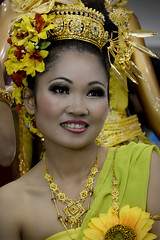Geisha - Made In Thailand !!! (*SevePhoto*) Tags: italy rome festival photo nikon italia severino giallo geisha fiori nikkor thailandia ritratti ritratto lazio fiera lexar seve 2016 nital d610 sevephoto clickofart