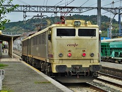 289 (firedmanager) Tags: train tren locomotive caf mitsubishi locomotora ferrocarril renfe trena 289 pasaia railtransport