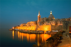 St Paul's and Carmelite Church, Valletta, Malta (zilverbat.) Tags: longexposure nightphotography travel reflection tower tourism church wall architecture night buildings reflections boats harbor town boulevard nightlights waterfront nightshot cathedral outdoor postcard stpaul malta tourist unesco worldheritagesite bluehour anglican protestant valletta reflectie carmelitechurch zilverbat longexposurebynight